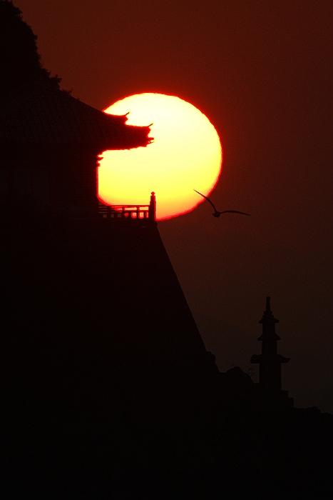 阿伏兎に朝日が昇る_c0152379_21201088.jpg