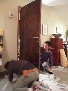 ドアの修理_e0109554_633686.jpg