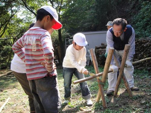 定例活動日:「多奈川小学校縦割り遠足」サポート_c0108460_20225478.jpg