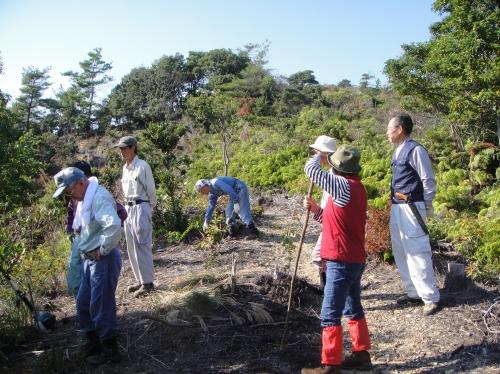 定例活動日:「多奈川小学校縦割り遠足」サポート_c0108460_20291065.jpg