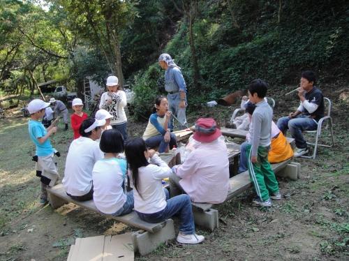 定例活動日:「多奈川小学校縦割り遠足」サポート_c0108460_2033633.jpg