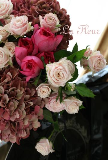 ピンクのアンティークアジサイとバラ_f0127281_2342264.jpg