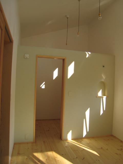 守谷泥壁の家18〜内壁仕上・建具設置〜_a0117794_22393162.jpg