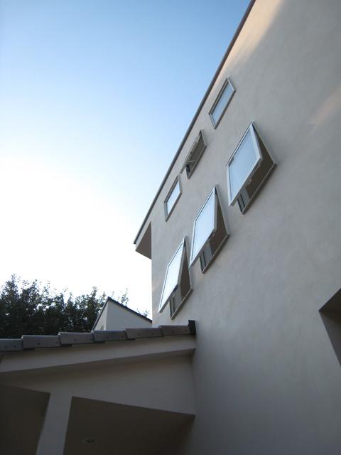 守谷泥壁の家18〜内壁仕上・建具設置〜_a0117794_224633100.jpg