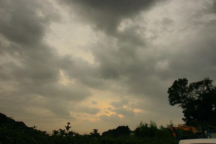 雲の日の朝_e0077521_18232990.jpg