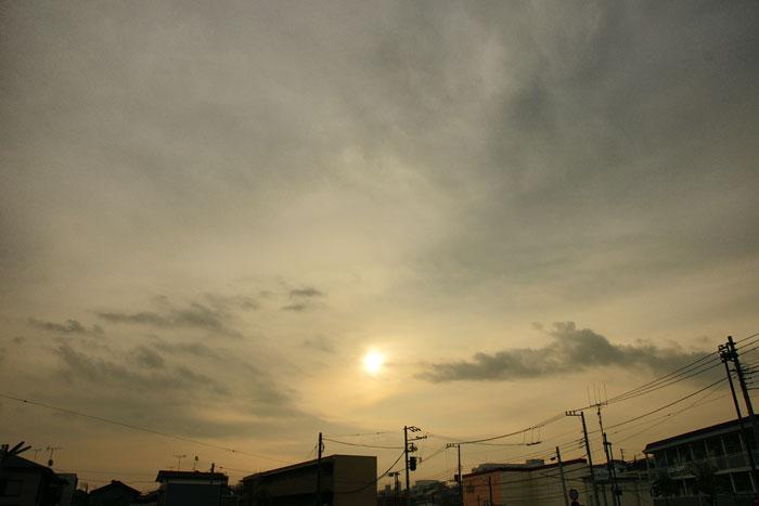 雲の日の朝_e0077521_18242658.jpg