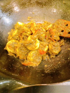 中華鍋でグジャラートのエビカレーを_f0190225_17504288.jpg