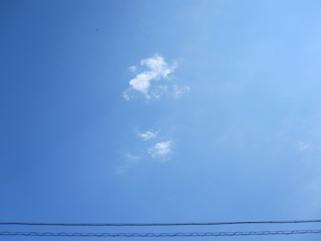 空にアンダーラインを引いてみる_c0200314_10553628.jpg