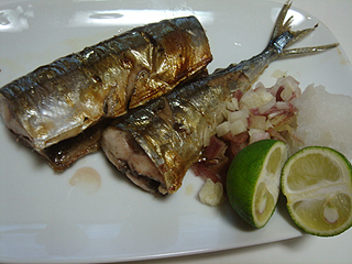秋刀魚の塩焼き_c0025217_0345767.jpg