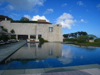 2009年9月 喜瀬別邸 はじめてのプール その1_a0055835_0182310.jpg