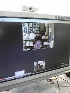 倉庫と本社は楽しく顔を見ながら仕事してます_d0148223_1449113.jpg