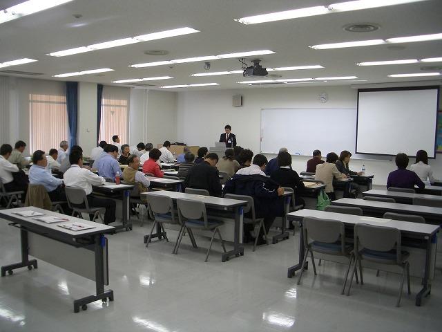 研修所は、とても快適で機能的です!_f0141310_064995.jpg