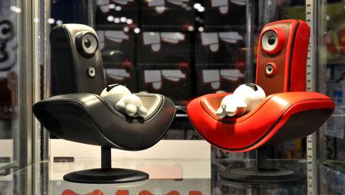 東京プラスチック発、赤と黒のコグマがやって来る。_a0077842_1738495.jpg