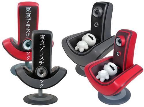 東京プラスチック発、赤と黒のコグマがやって来る。_a0077842_1757083.jpg