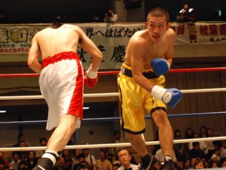 1R2分KO勝ち!_a0134296_062972.jpg