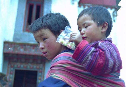 ブータンの子供たち_c0124100_2115895.jpg