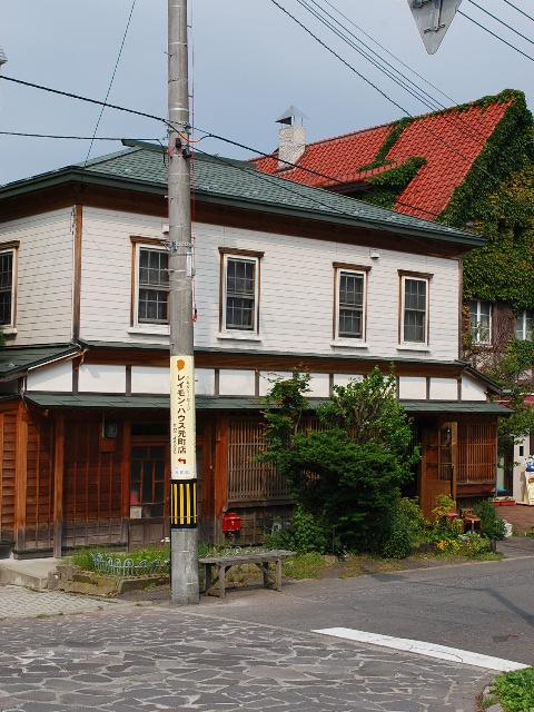 函館・旧亀井喜一郎邸(建築家・関根要太郎作品研究)その6_f0142606_283549.jpg