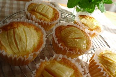 りんごのケーキ_b0142989_12593786.jpg