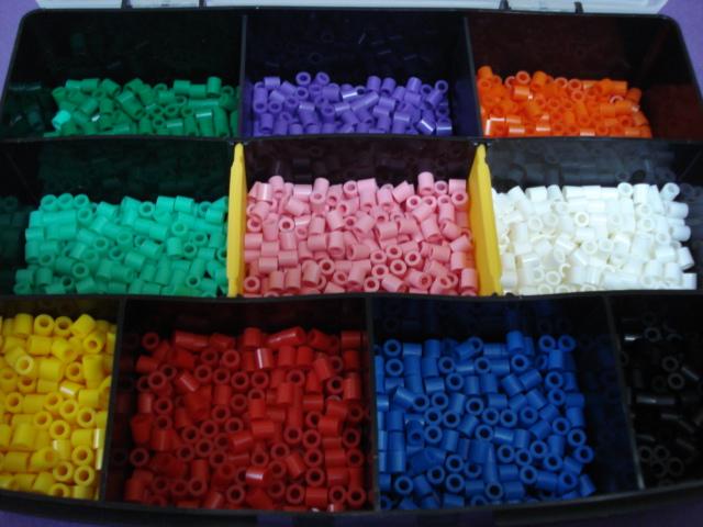 アイロンビーズの色分け_a0126497_1075830.jpg