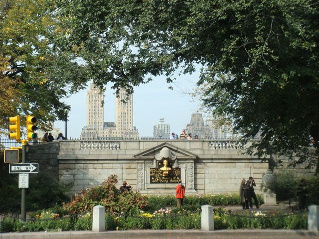 五番街は90丁目あたりもMuseumだらけ、_d0100880_1955189.jpg