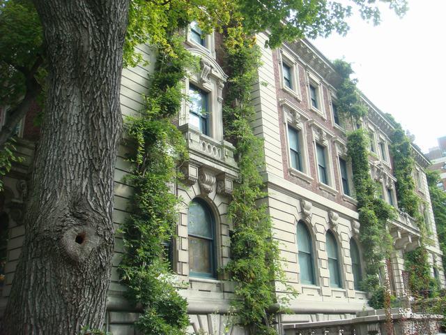 五番街は90丁目あたりもMuseumだらけ、_d0100880_2038354.jpg