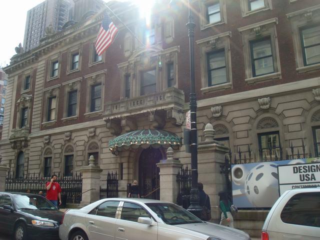 五番街は90丁目あたりもMuseumだらけ、_d0100880_20384532.jpg
