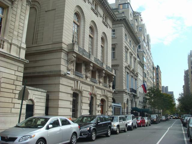 五番街は90丁目あたりもMuseumだらけ、_d0100880_20385691.jpg