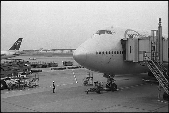 空港にて_f0204015_23394155.jpg