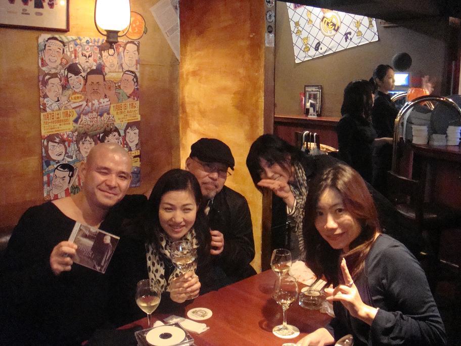 渋谷のパーティーライヴにて_e0097491_0323651.jpg