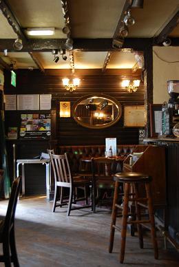 エジンバラ&ロンドンのPub達_e0120938_16243976.jpg