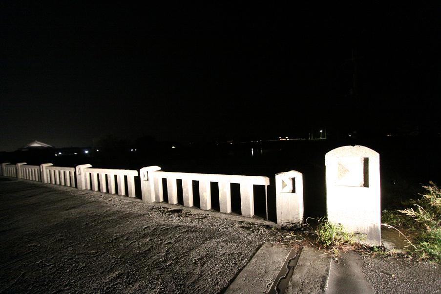 最後の赤紙配達人ロケ地          夜訪れた朝妻橋_a0107574_20271875.jpg