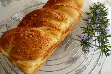 チーズブレッド_b0142989_136548.jpg