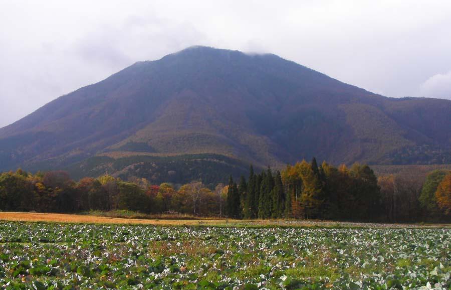 秋深し黒姫山_c0223095_7263037.jpg
