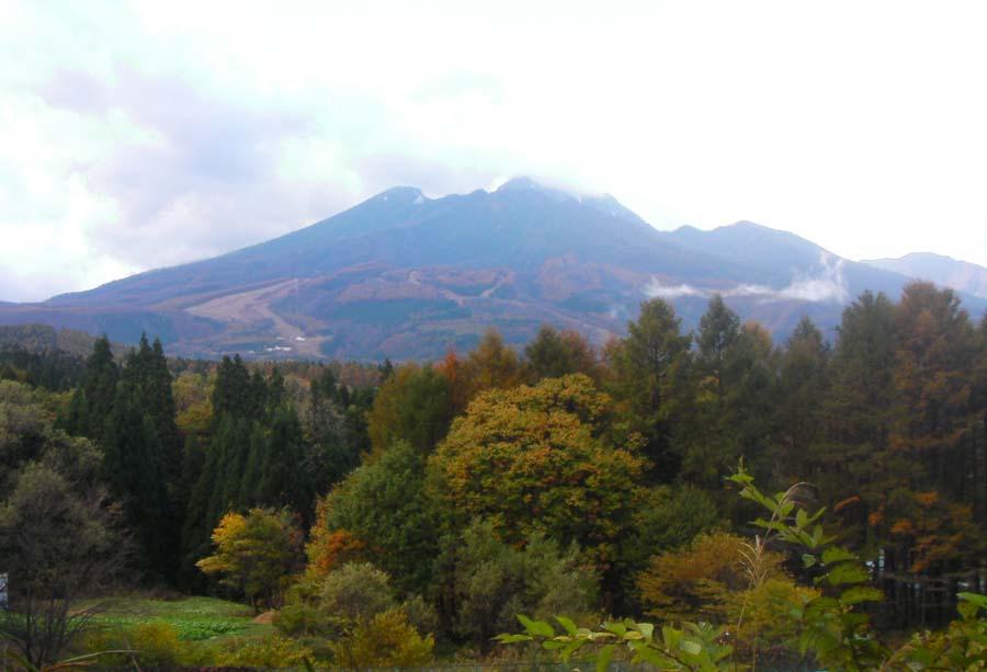 妙高山には、雪が‥‥‥_c0223095_7305579.jpg