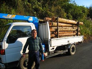 林地残材の小規模収集現場の状況_e0002820_8542523.jpg
