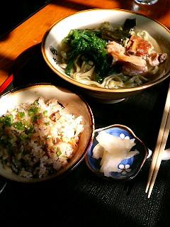 沖縄すば_a0103940_6201192.jpg