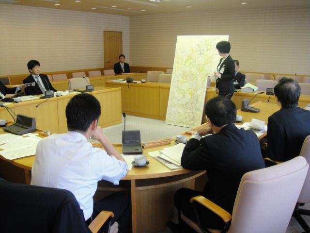 総務委員会視察2日目_f0059673_033046.jpg