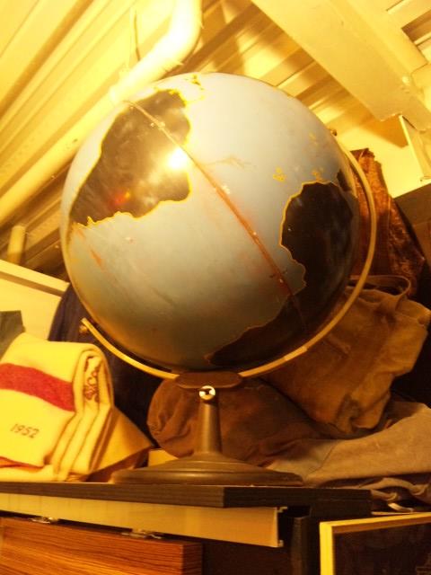 最高峰の地球儀ってどんなの想像しますか?(マグネッツ神戸店 雑貨、家具入荷)_c0078587_2422144.jpg