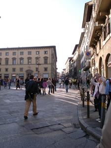 静かなフィレンツェ~ドゥオーモ前広場_f0106597_221495.jpg