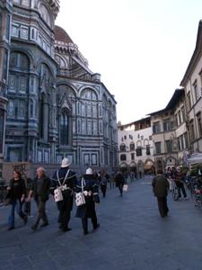 静かなフィレンツェ~ドゥオーモ前広場_f0106597_253027.jpg
