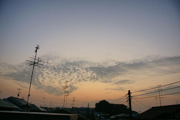 流れ雲の朝_e0077521_21463777.jpg