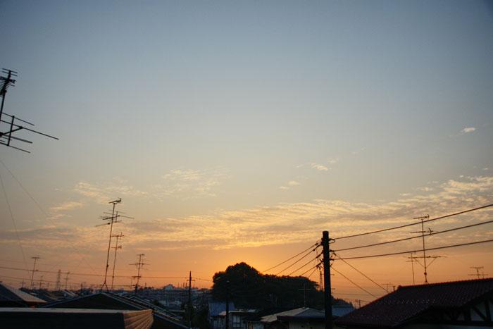 流れ雲の朝_e0077521_21475782.jpg