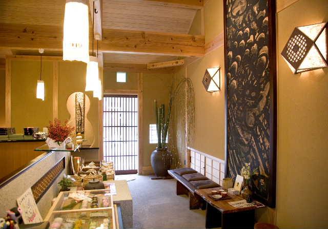 建築デザイン      平成十八年十月  観音寺 白栄堂_c0121339_16443398.jpg