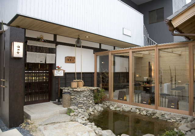 建築デザイン      平成十八年十月  観音寺 白栄堂_c0121339_16485280.jpg