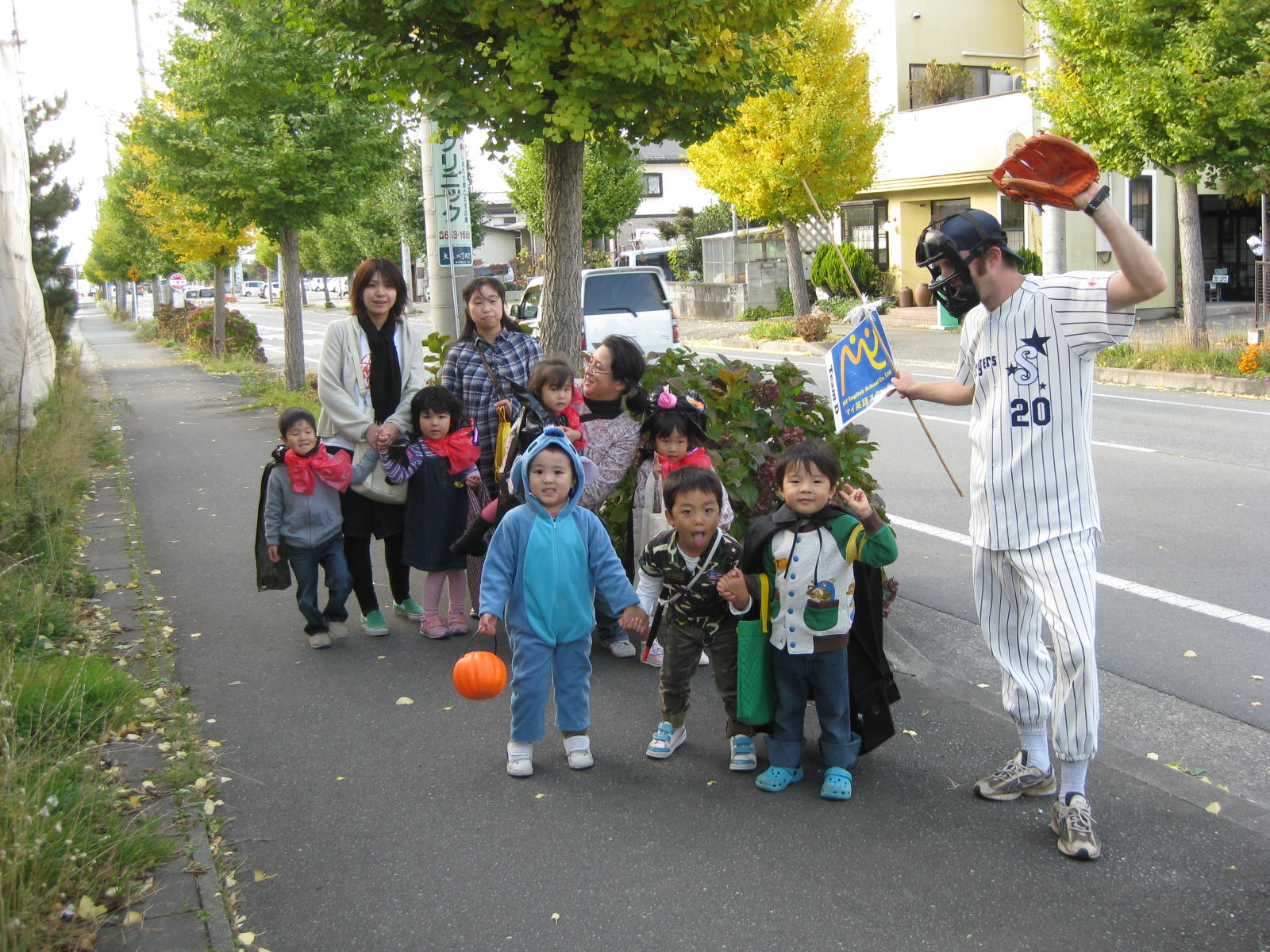 2009 Halloween -Trick or Treating-_a0130343_234356.jpg