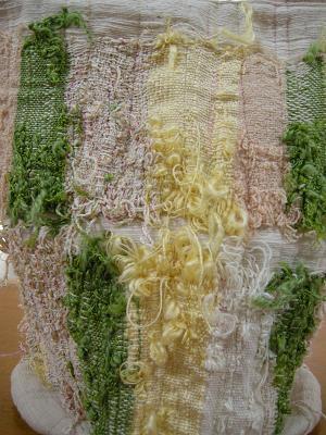 さをり織りの作品とコラボ_f0203844_19225127.jpg