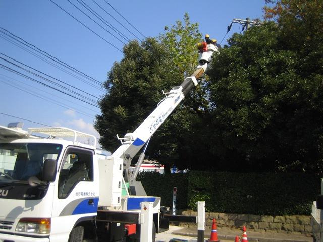 停電作業_e0194049_8171456.jpg