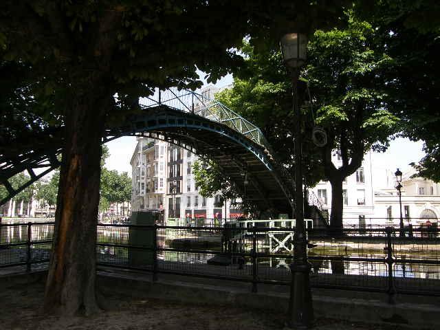 サン・マルタン運河というところ_f0189467_0542586.jpg