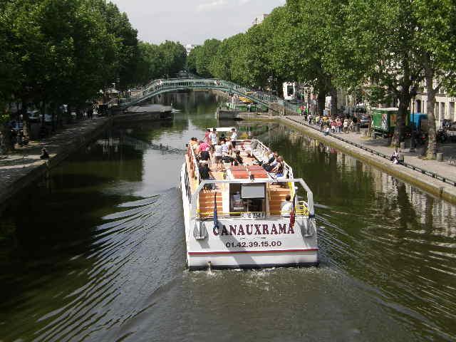 サン・マルタン運河というところ_f0189467_0585188.jpg