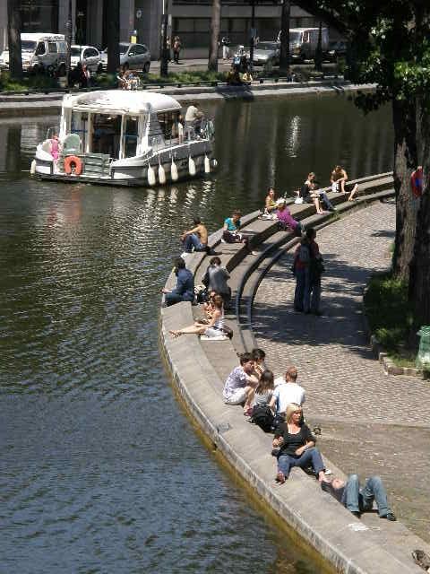 サン・マルタン運河というところ_f0189467_114127.jpg